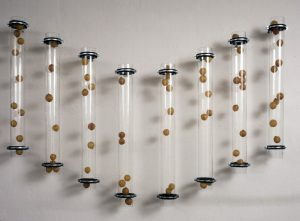 Orgel, 1995, Glas, Gummi, Latex, Metall, 320 x 180 x 20cm - Wolfgang Stiller