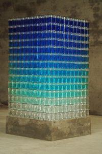 almost transparent blue 2006  bluestack_2 ; Wasserfarben, Glas, Acrylglasbecher auf Betonsockel, Maße 180 x 90 x 90 cm - Wolfgang Stiller