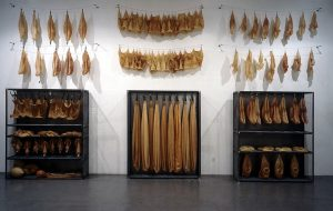 Konservierungsmaßnahmen 1994, Latex, Metall, Installationsaufbau Röntgen-Kunstinstitut, Tokyo  - Wolfgang Stiller